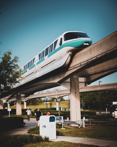 The monorail driving