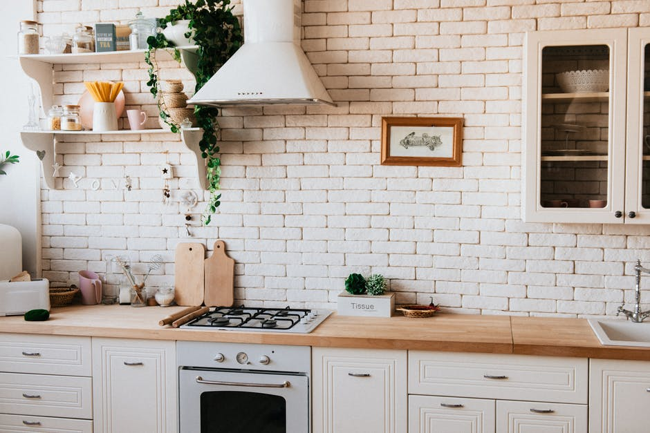 Image of an all-white kitchen